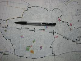 湖北地区図書館−ボールペンのあたりが国道356号線です